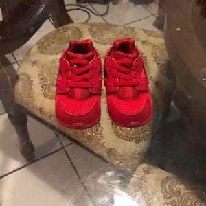 huaraches sneakers